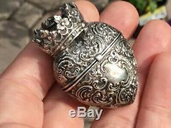 Rare Antique Victorian Coeur En Argent Sterling Et De La Couronne Vinaigrette Locket Pendant