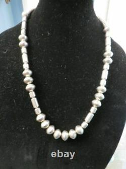Signé M Vintage Navajo Hand Made Sterling Silver Pearls Barrel Bead Necklace