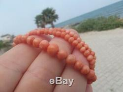 Victorienne Anciennes Carved Salmon Coral Non Teint 17 Bead Necklace 13.88g