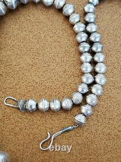 Vintage Zuni Sterling Silver Bench Bead Collier 22.5 Pouces Signé Lh